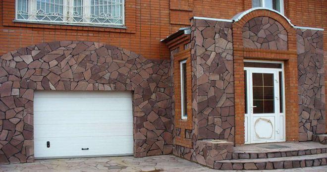 натуральный и искусственный камень для отделки фасада дома