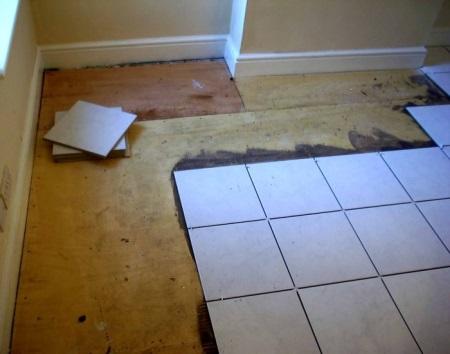 Готовим основание для укладки кафельной плитки на деревянный пол